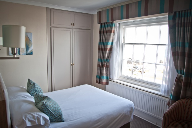 White Lion Hotel, Aldeburgh double room 2 (med)