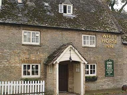 the-white-horse-inn-duns-tew_150520091125585492