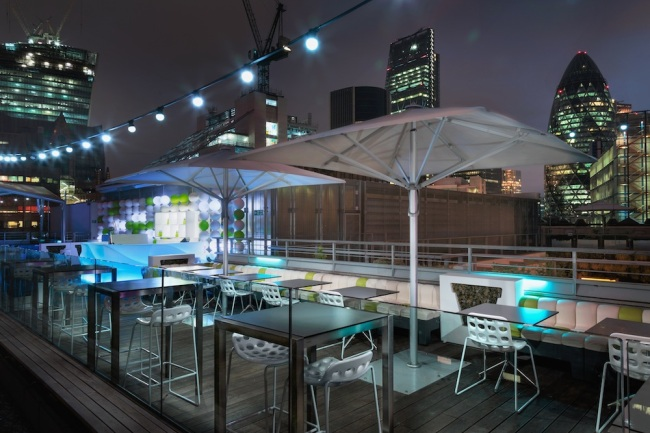 peroni-bar-at-skylounge-terrace-at-night1